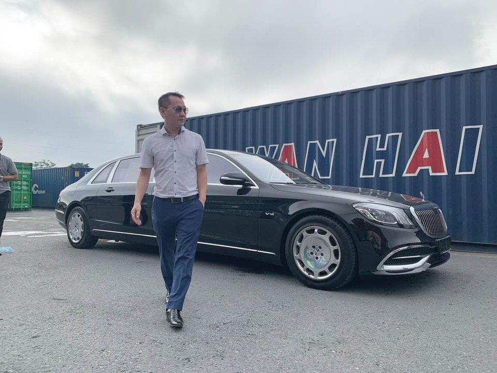 Thân thế đỉnh của người đàn ông ngồi Mercedes G63 chục tỷ, bán vải thiều 20.000 đồng/kg ở Hà Nội - Ảnh 2.
