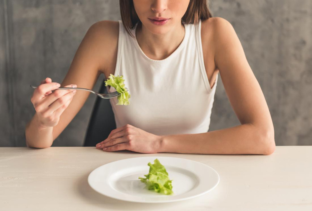 8 quan niệm sai lầm về dinh dưỡng cần loại bỏ - Ảnh 1.
