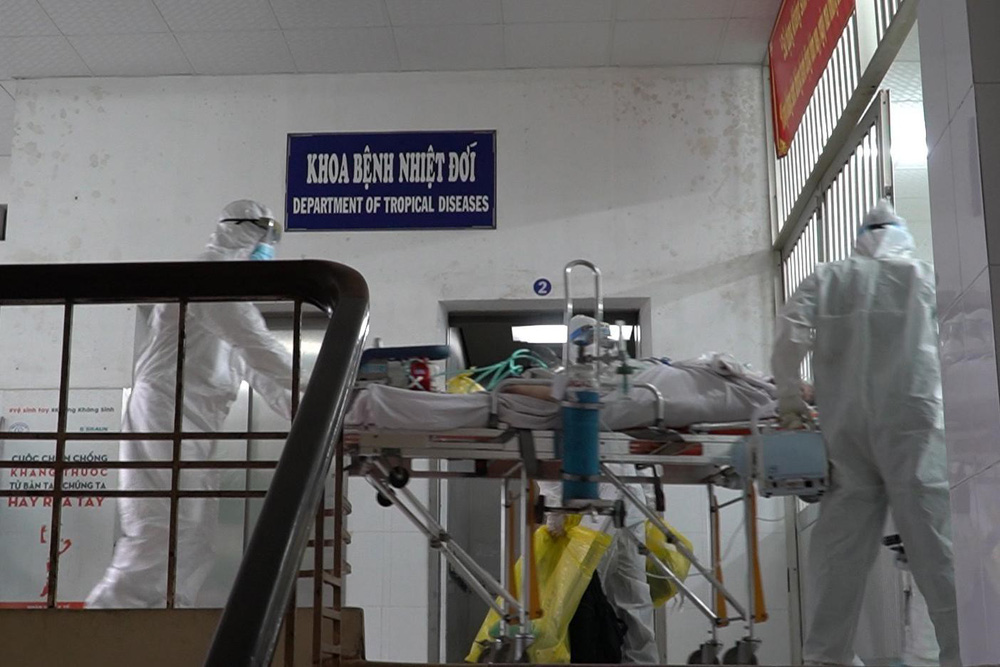 Hành trình đặt ECMO và chuyển chiến sĩ công an mắc COVID-19 về Bệnh viện Chợ Rẫy - Ảnh 5.