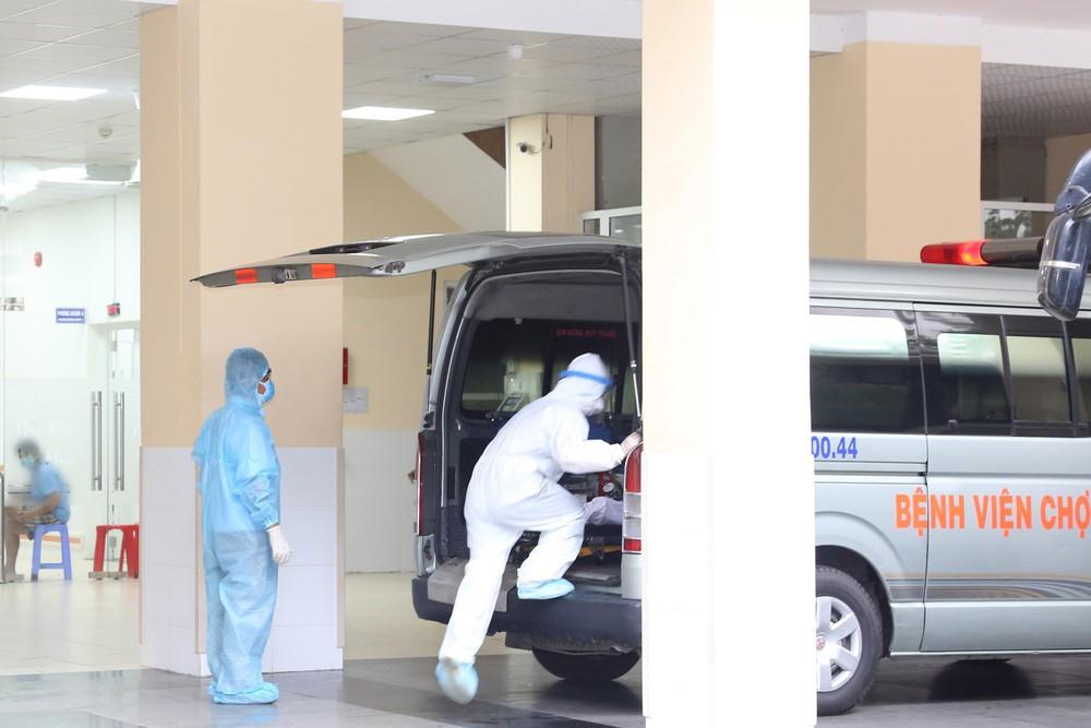 Hành trình đặt ECMO và chuyển chiến sĩ công an mắc COVID-19 về Bệnh viện Chợ Rẫy - Ảnh 7.
