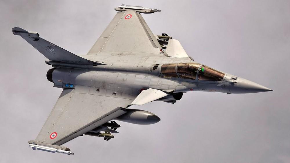 Ác mộng với Israel: Dàn chiến cơ hỗn hợp Nga-Mỹ-Pháp tổng tấn công, ngôi vị số 1 Trung Đông còn trụ vững? - Ảnh 1.