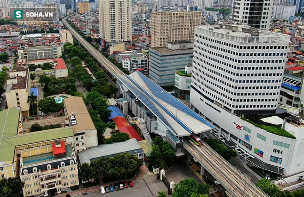 Hình ảnh đoàn tàu tuyến Metro hơn tỷ USD ở Hà Nội do Pháp thiết kế chạy thử nghiệm qua các nhà ga trên cao - Ảnh 4.
