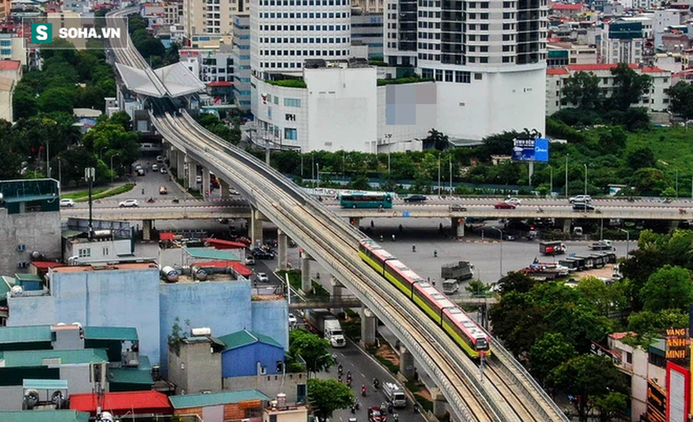 Hình ảnh đoàn tàu tuyến Metro hơn tỷ USD ở Hà Nội do Pháp thiết kế chạy thử nghiệm qua các nhà ga trên cao - Ảnh 7.