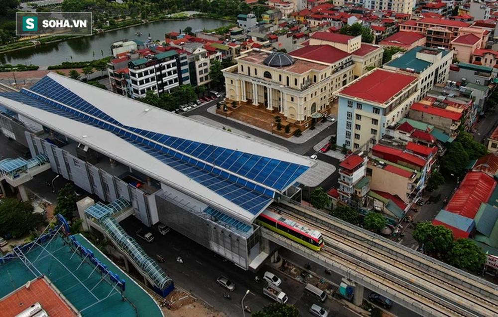 Hình ảnh đoàn tàu tuyến Metro hơn tỷ USD ở Hà Nội do Pháp thiết kế chạy thử nghiệm qua các nhà ga trên cao - Ảnh 8.