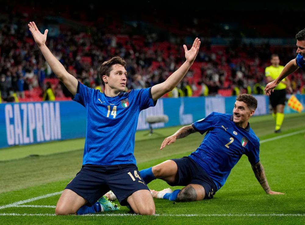 Italia hay toàn diện, trong khi HLV Southgate lúng túng, ứng biến trận đấu không tốt - Ảnh 5.