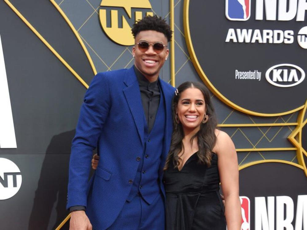 Lộ diện dàn WAGs chiếm sóng chung kết NBA 2021: Xinh đẹp, nóng bỏng chưa chắc đã chiếm được trái tim chàng nhưng điểm chung là tài năng - Ảnh 22.