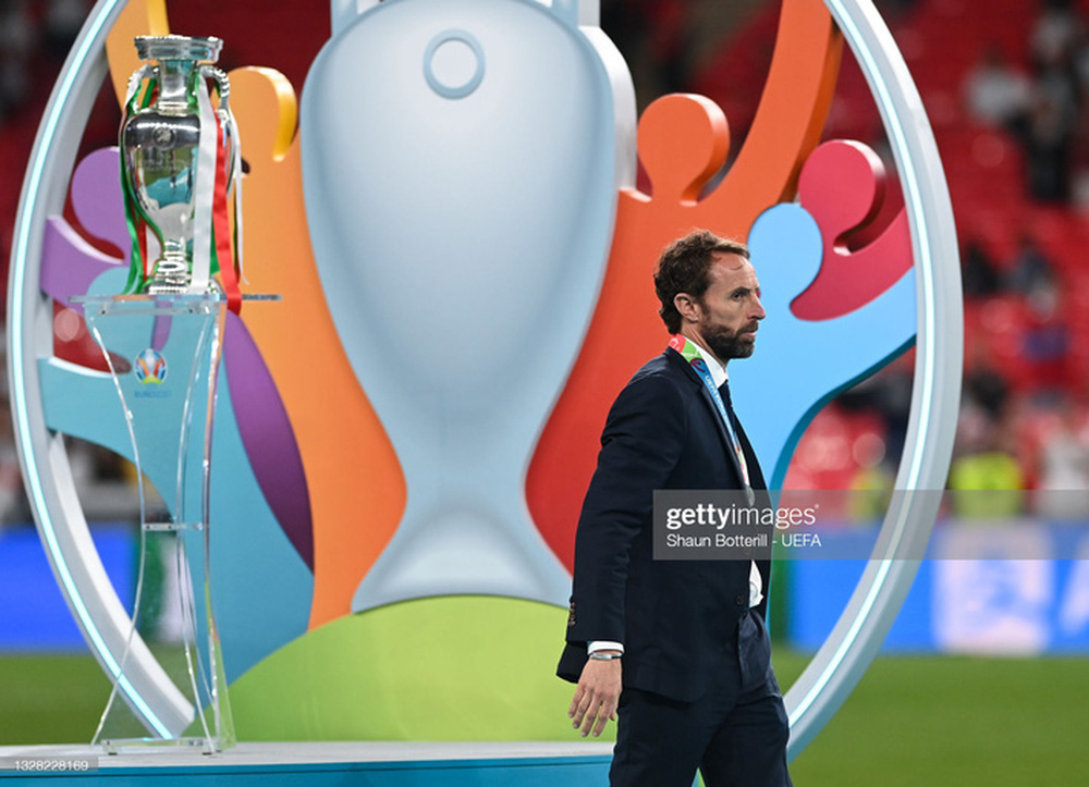 Italia hay toàn diện, trong khi HLV Southgate lúng túng, ứng biến trận đấu không tốt - Ảnh 2.