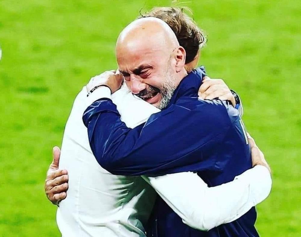 Người hùng của tuyển Italia mỉa mai fan Anh; HLV Mancini hết lời ca ngợi học trò - Ảnh 1.