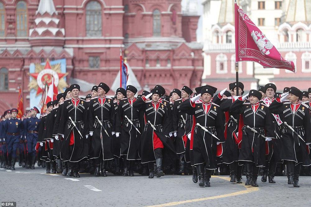 Ông Putin lại ra đòn hiểm: Hồi sinh đạo quân Nga từng là nỗi ám ảnh của Châu Âu? - Ảnh 4.