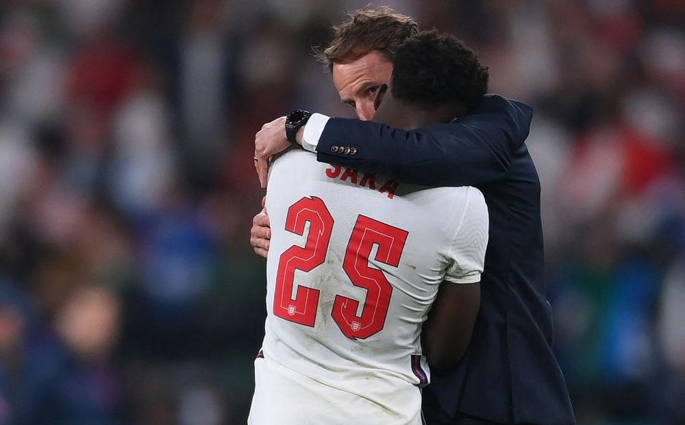 """""""Thảm họa chiến thuật"""" của HLV Southgate khiến đội tuyển Anh thua cay đắng trong loạt đá 11m"""