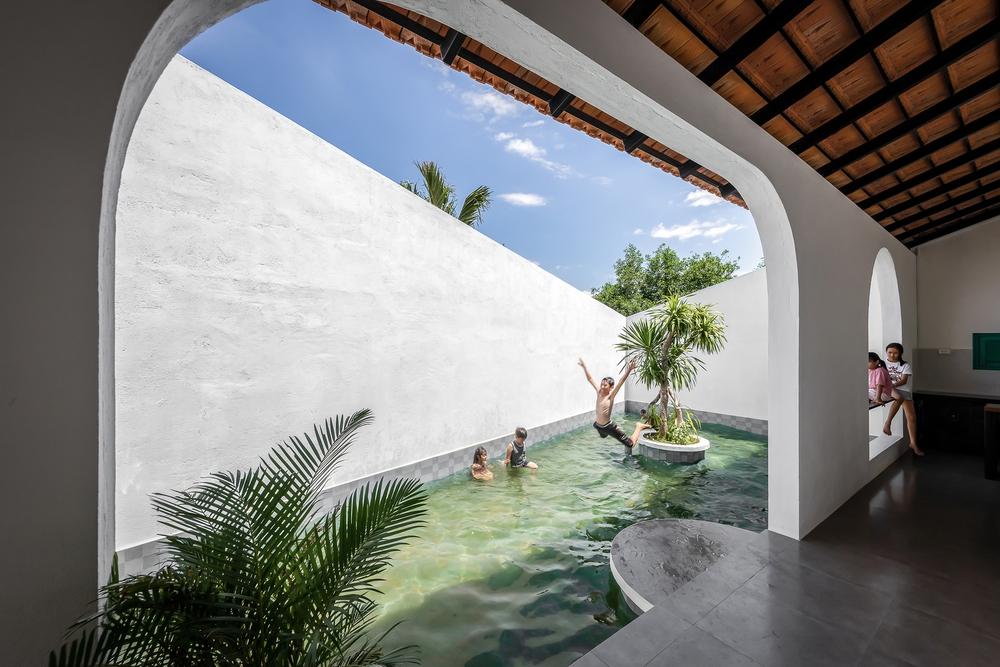 Ngôi nhà màu trắng đẹp không tì vết tại Phú Yên vừa lên báo Mỹ - Ảnh 16.