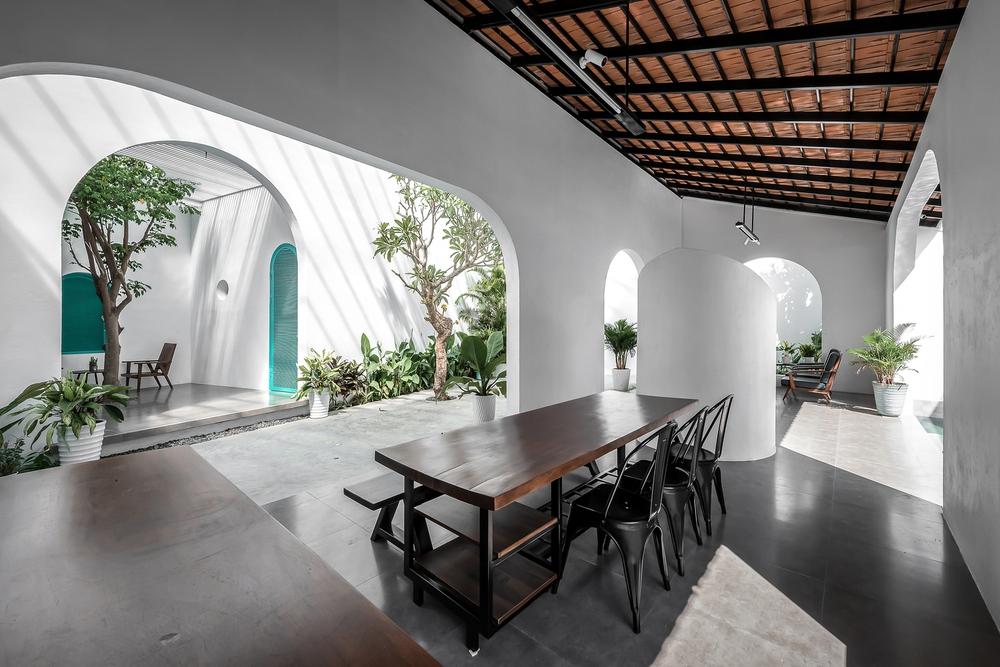 Ngôi nhà màu trắng đẹp không tì vết tại Phú Yên vừa lên báo Mỹ - Ảnh 7.