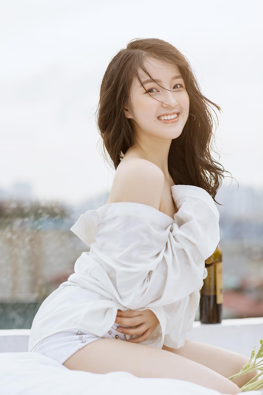 Chân dung nữ diễn viên chưa lên sóng đã gây sốt phim Hương vị tình thân - Ảnh 5.