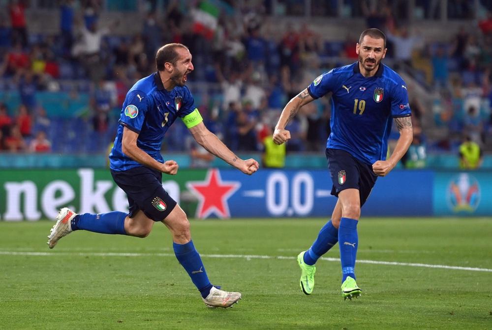 Bộ đôi tường đồng vách sắt và thứ nghệ thuật đưa đội tuyển Italia lên đỉnh châu Âu - Ảnh 3.