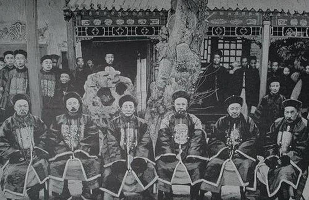 Đặt mua 9 thiết giáp hạm để củng cố hải quân, triều đình nhà Thanh không ngờ đã tạo ra trò hề để thiên hạ chê cười - Ảnh 4.