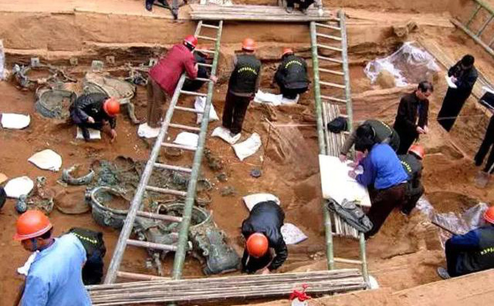 Ngôi mộ bị trộm vô số lần trong 2.000 năm nhưng các chuyên gia vẫn tìm thấy nhiều bảo vật nhờ thiết kế bí mật này