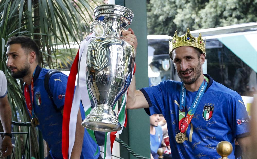 Chuyển nhượng 15/7: Chiellini thất nghiệp, Barca đổi Griezmann lấy Saul Niguez