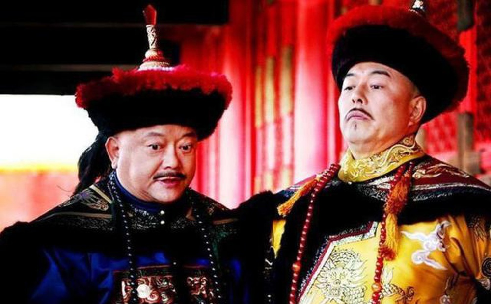 """Công chúa muốn mua đồ, Càn Long nói: """"Tìm cha chồng mà xin"""", Hòa Thân nhanh trí đáp 4 chữ, chính thức ấn định thông gia với vua"""