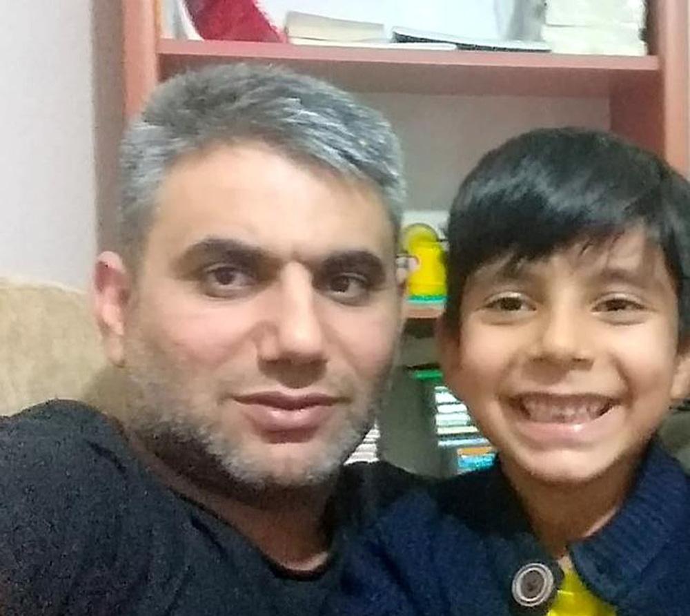 Con trai 8 tuổi đuối nước ngay trước mặt, bố mẹ xem lại camera an ninh thì đau đớn và hối hận tột cùng - Ảnh 1.