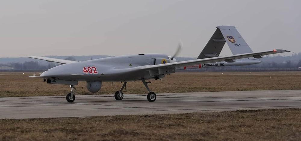 30 năm không mua nổi một máy bay mới, Ukraine quyết đánh Nga bằng loại vũ khí đặc biệt - Ảnh 3.