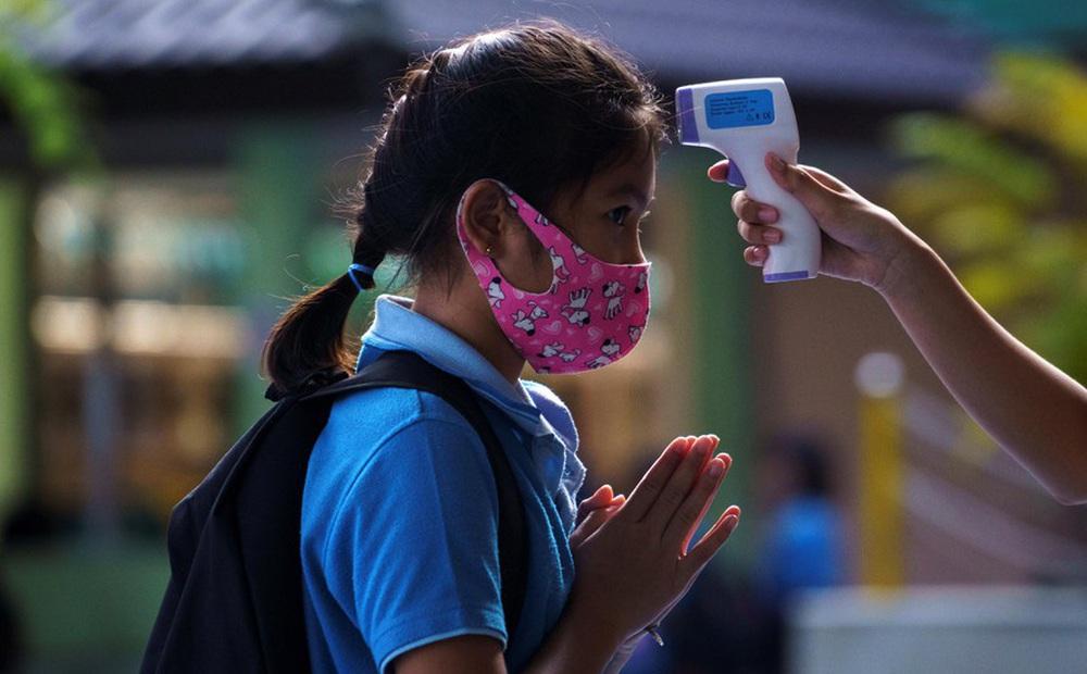 Thái Lan lần đầu ghi nhận hơn 10.000 ca COVID-19 mới trong một ngày