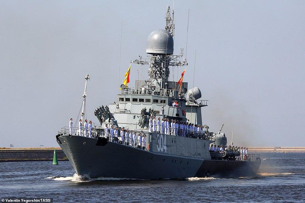 Hải quân Nga bắn 21 phát đại bác chào mừng: TT Putin sắp có bài phát biểu quan trọng - Ảnh 8.