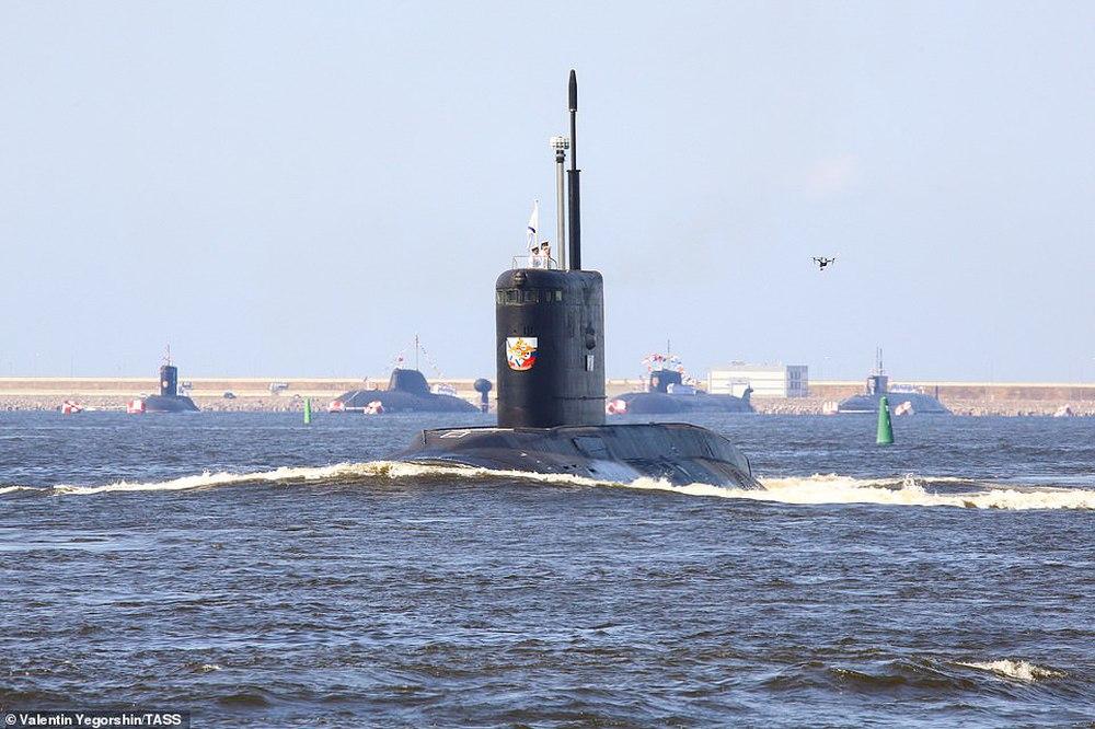 Hải quân Nga bắn 21 phát đại bác chào mừng: TT Putin sắp có bài phát biểu quan trọng - Ảnh 7.