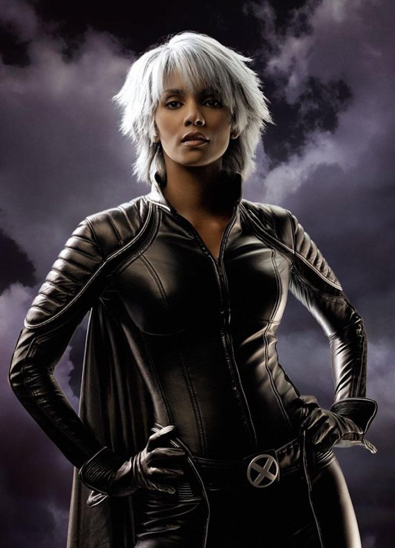 Ít ai biết, gã đàn ông xấu xí, chột mắt này lại là nữ minh tinh X-Men nóng bỏng, nổi danh thế giới - Ảnh 4.