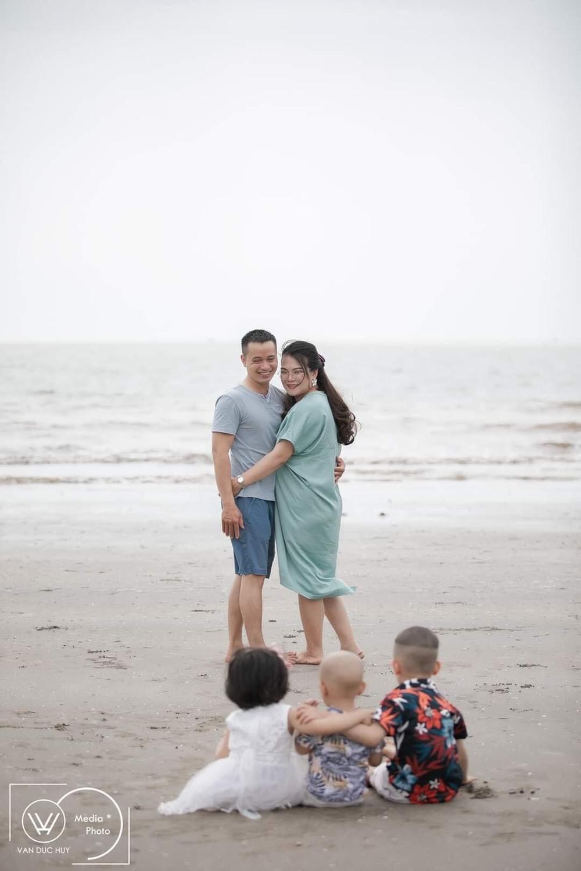 Chồng nghỉ việc ở nhà chăm con, vợ được đà sinh liền 5 năm 4 bé, dân mạng đều cùng đặt một câu hỏi - Ảnh 5.