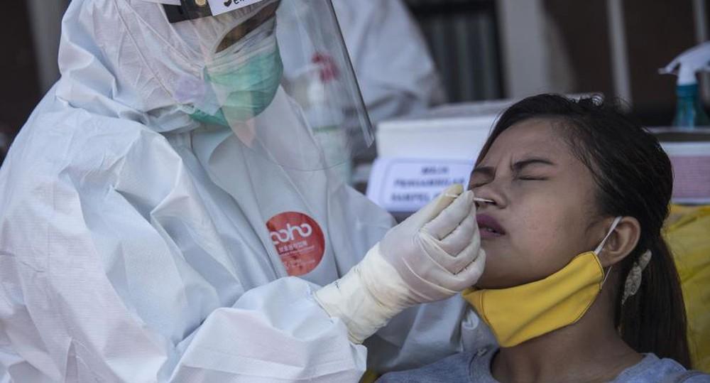 Số ca nhiễm vượt quá Ấn Độ và Brazil, lý do khiến Indonesia trở thành điểm nóng Covid-19 toàn cầu - Ảnh 1.