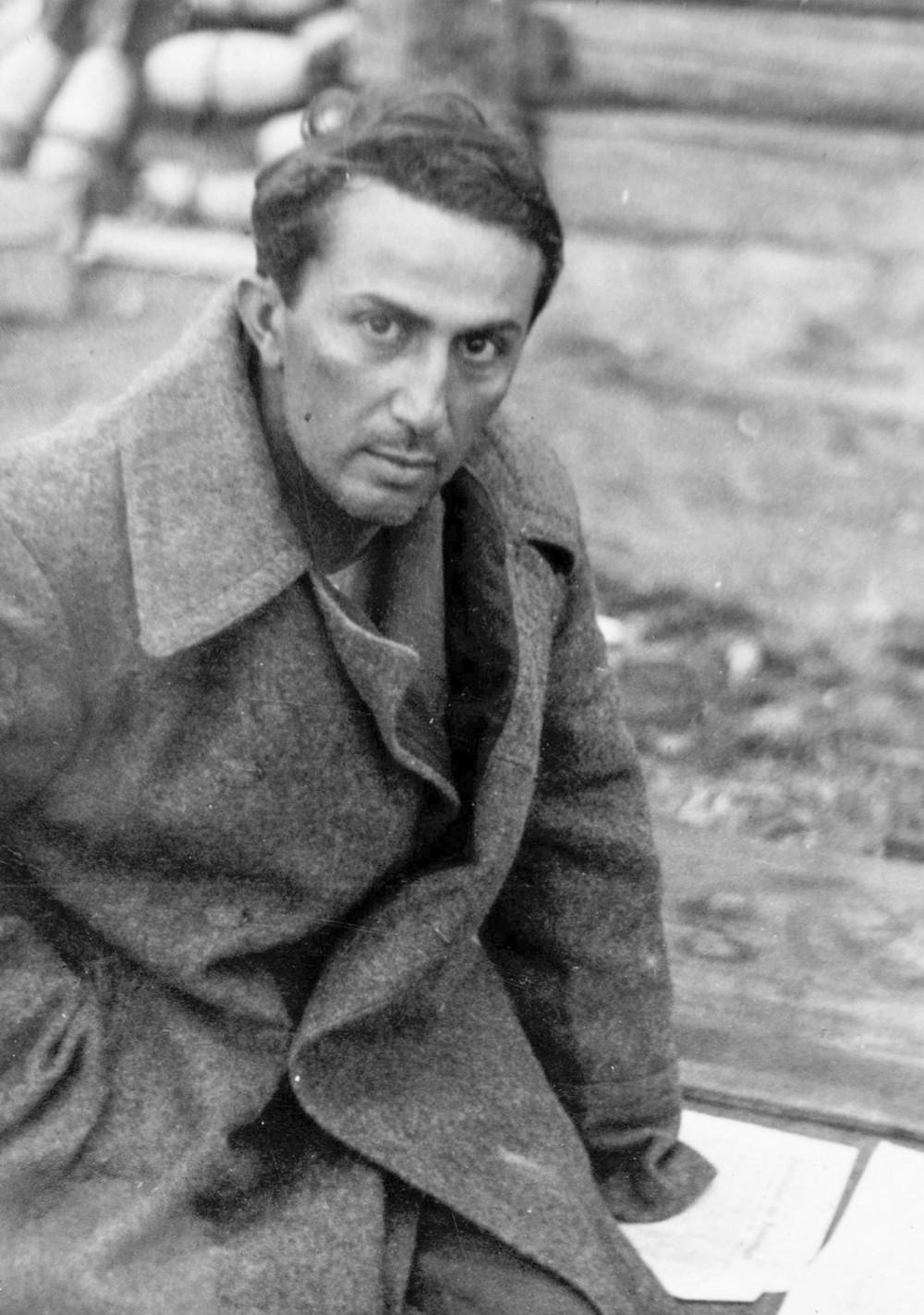 Số phận của con các lãnh đạo Liên Xô ra trận trong Thế chiến II: Bi thảm nhất là con trai Stalin - Ảnh 1.