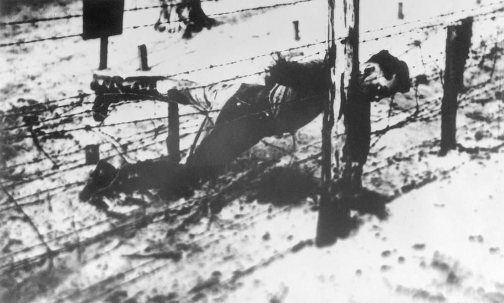Số phận của con các lãnh đạo Liên Xô ra trận trong Thế chiến II: Bi thảm nhất là con trai Stalin - Ảnh 2.