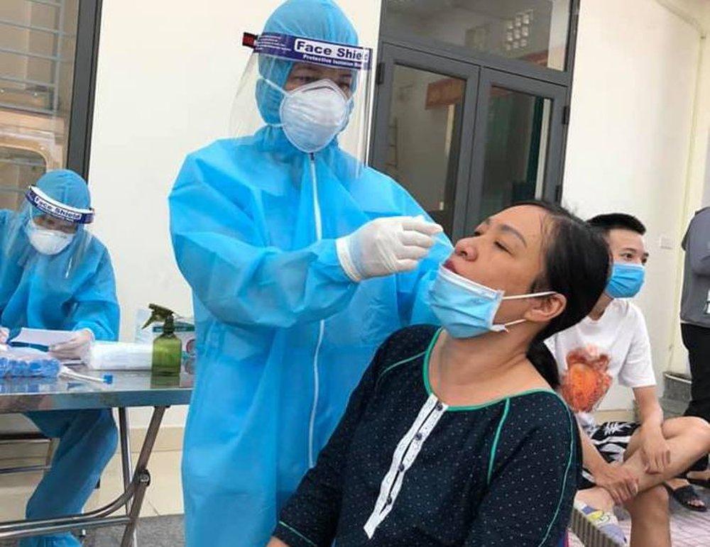 3 nữ bác sỹ Bệnh viện Tâm thần Nghệ An nhiễm SARS-CoV-2 sau 2 lần xét nghiệm âm tính - Ảnh 1.