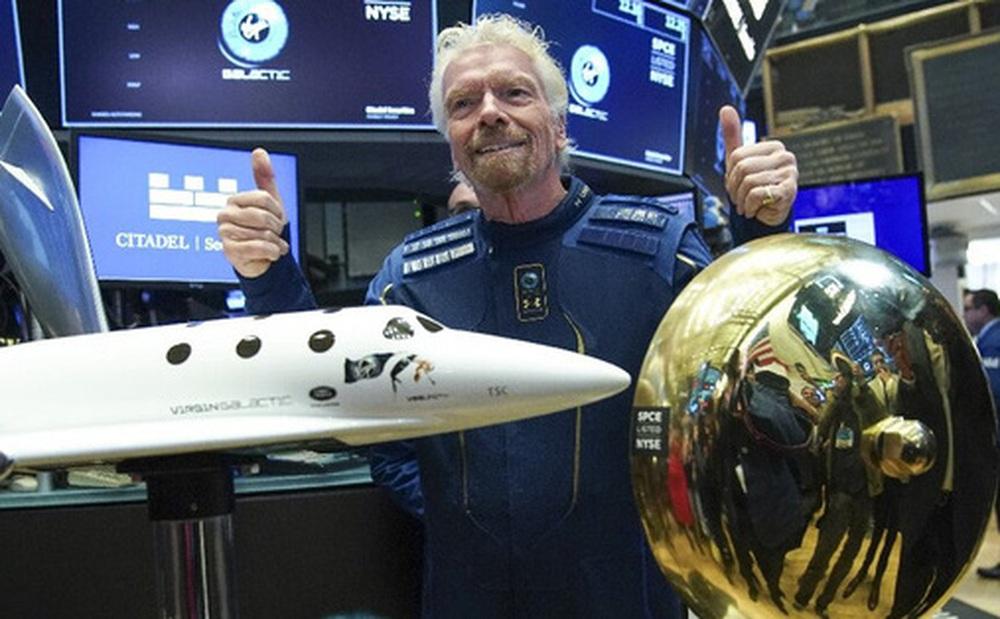 Richard Branson tuyên bố sẽ đặt chân đến không gian vào ngày 11/7