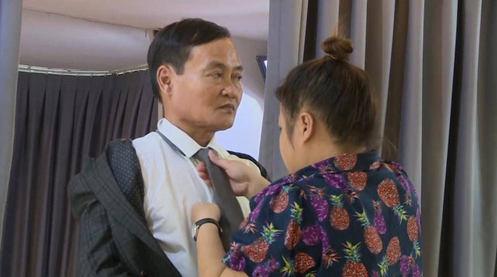 Nữ diễn viên đề nghị cưới sau đúng 1 đêm hẹn hò: Con nuôi NSND Ngọc Giàu, tuổi thơ không có mẹ - Ảnh 3.