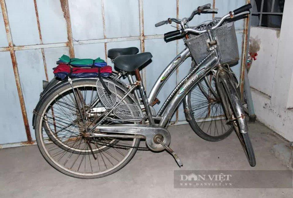 """Bà mẹ cùng 3 con đạp xe từ Đồng Nai về Nghệ An: """"Tôi xin không nhận 10 triệu đồng, dành cho người khác"""" - Ảnh 1."""