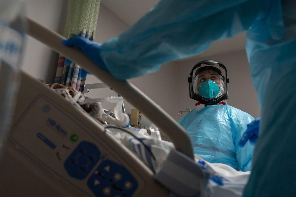 Quốc gia có tỉ lệ tiêm vắc xin cao nhất thế giới: Tình hình dịch Covid-19 hiện tại ra sao? - Ảnh 6.