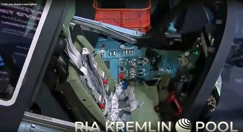 Đơn độc trước tên lửa Nga, Anh rùng mình với cảnh 200 máy bay bị hủy diệt - Tiêm kích mới sẽ là cú chiếu hết NATO của ông Putin? - Ảnh 3.