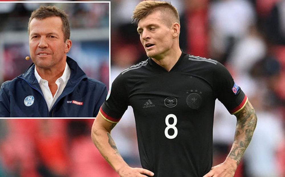 Toni Kroos bị huyền thoại Đức và cựu chủ tịch đội bóng cũ chê bai