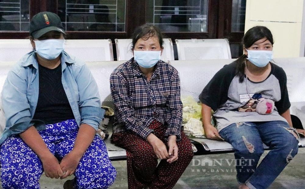 """Bà mẹ cùng 3 con đạp xe từ Đồng Nai về Nghệ An: """"Tôi xin không nhận 10 triệu đồng, dành cho người khác"""""""