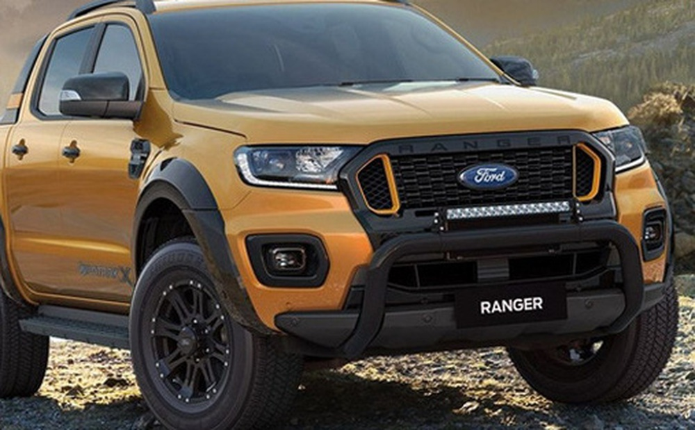 """Vừa mở bán, """"vua bán tải"""" Ford Ranger đã giảm mạnh 50 triệu đồng, đè bẹp Toyota Hilux, Mitsubishi Triton"""