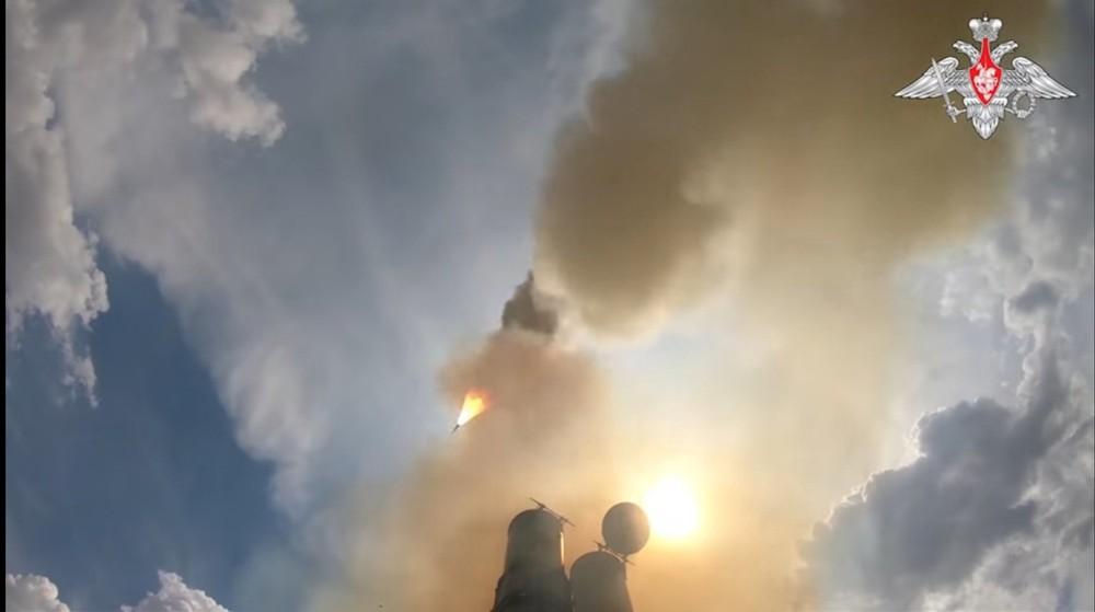 Kinh hãi trước sức mạnh của tên lửa Nga: Anh cấp tốc học lại chiến thuật cách đây 30 năm! - Ảnh 3.