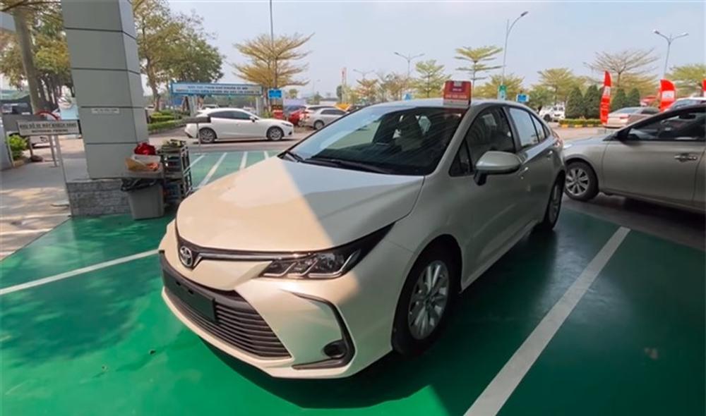 Toyota Corolla Altis giảm giá mạnh, nhưng còn 1 đối thủ vô địch giá rẻ khó vượt qua - Ảnh 2.