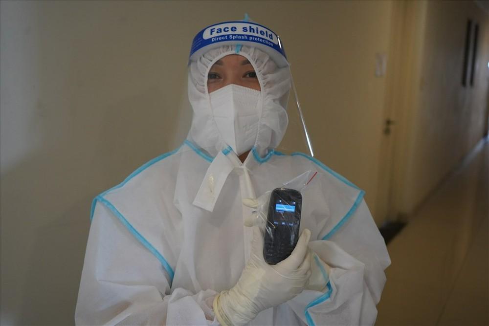 Nữ điều dưỡng tại BV Dã chiến: Chuyện hăm, rát khắp người do đồ bảo hộ đã thành điều bình thường - Ảnh 2.