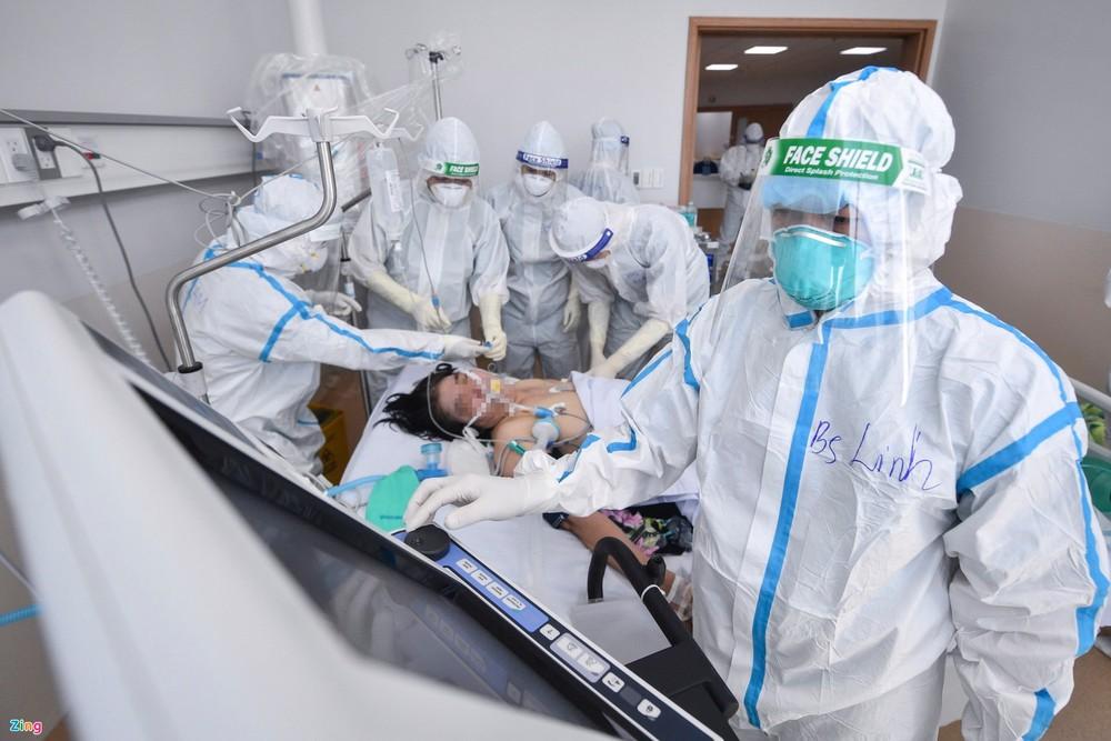 Bác sĩ bệnh viện dã chiến TP HCM gửi lời nhắn nhủ tới các F0 - Ảnh 2.