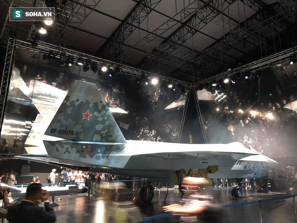 Tiêm kích bí ẩn ở MAKS 2021: Tận mắt thấy tinh hoa vũ khí Nga khiến cả thế giới thán phục - Ảnh 7.