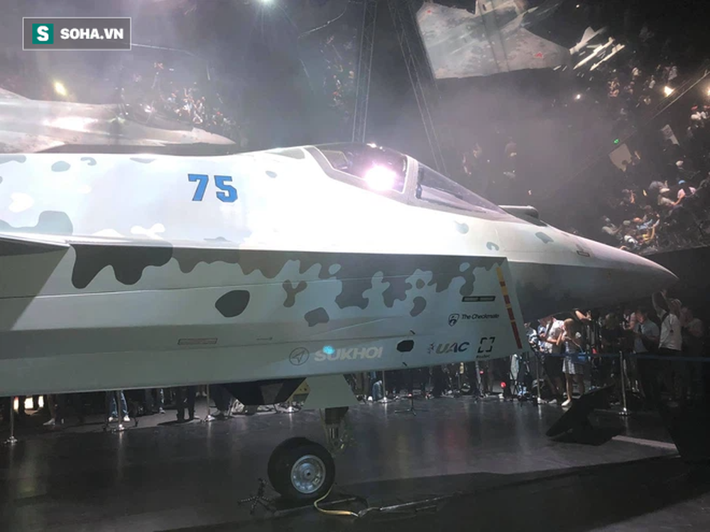Tiêm kích bí ẩn ở MAKS 2021: Tận mắt thấy tinh hoa vũ khí Nga khiến cả thế giới thán phục - Ảnh 3.