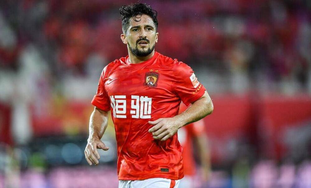 Nhà vô địch World Cup ra tay, ĐT Trung Quốc có thêm chiến binh thép để uy hiếp thầy Park - Ảnh 1.