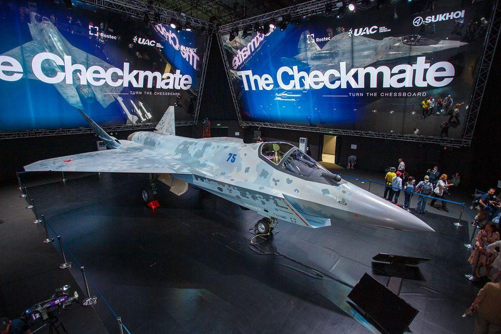 Thiên thời, địa lợi, nhân hòa, Việt Nam có thể mua tiêm kích Su-75 mới - Phó TTg Nga công bố tin vui - Ảnh 4.