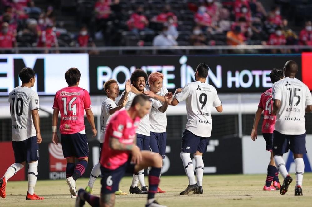 Nhật Bản bày cách để V.League 'sống sót' thời Covid-19 - Ảnh 2.